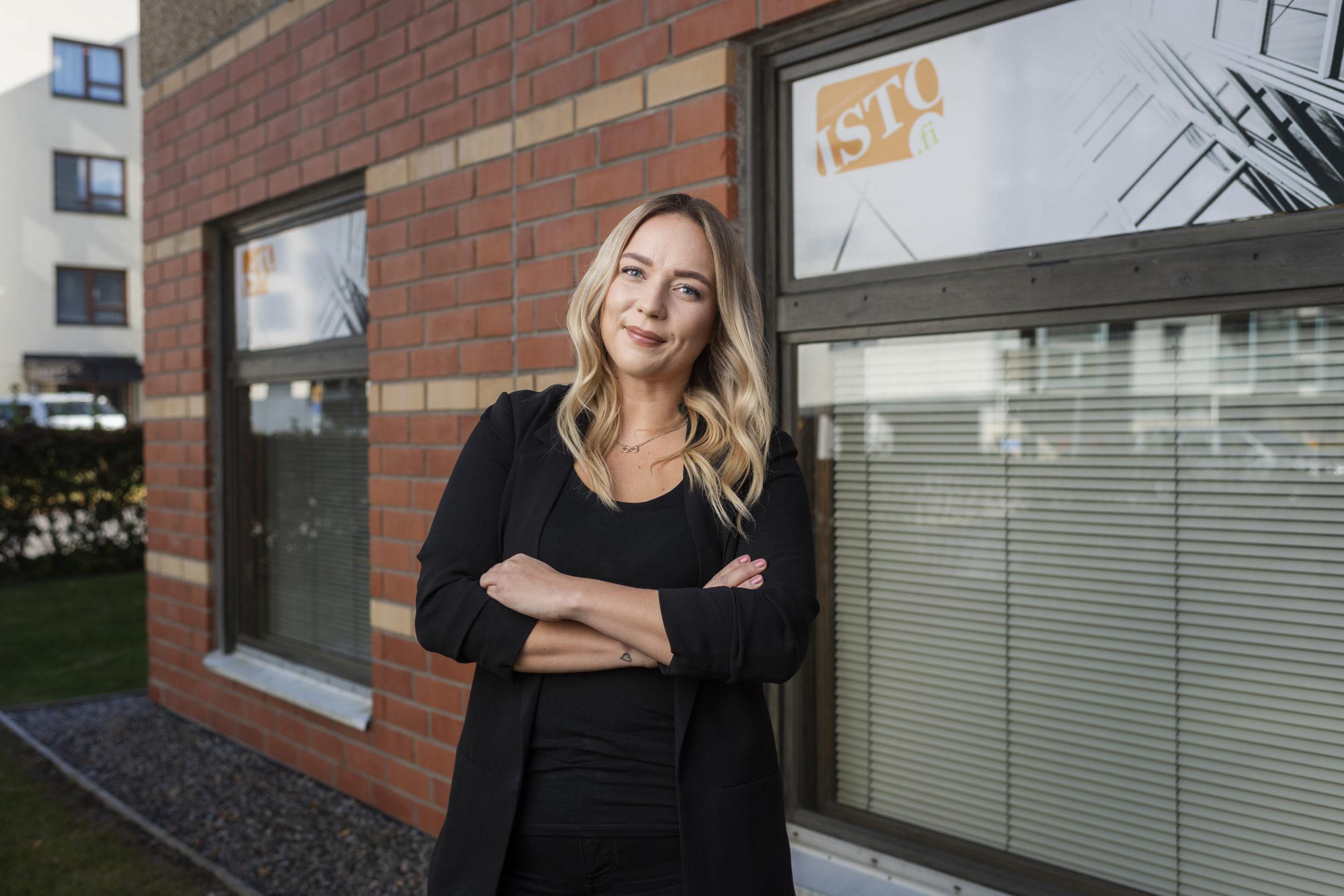 Minttu Makkonen kisaa Isännöinninammattilainen 2021 -palkinnosta.